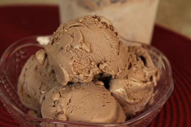 Homemade Milk Chocolate Ice Cream2