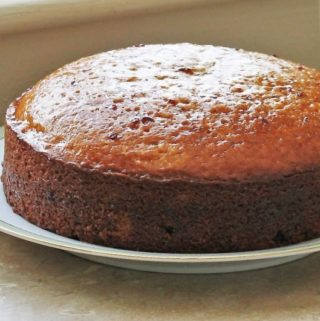 Olive Oil Cake with Currants