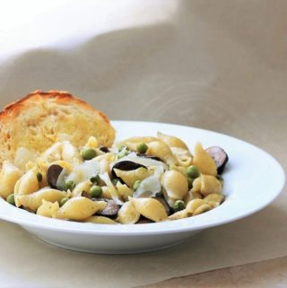 Shells with Young Peas and Mushrooms (Conchiglie con Piselli e Funghi)